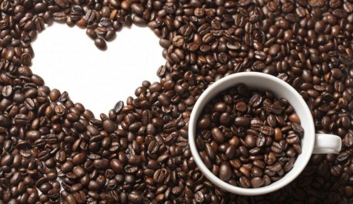 Il caffè fa bene o male al cuore? Caffeina libera le arterie