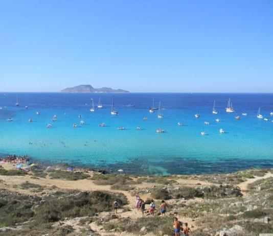 Cosa Fare a Favignana: le Spiagge Più Belle 3
