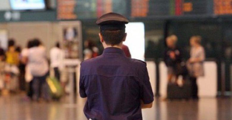 Immigrazione clandestina, bambino in trolley per superare frontiera