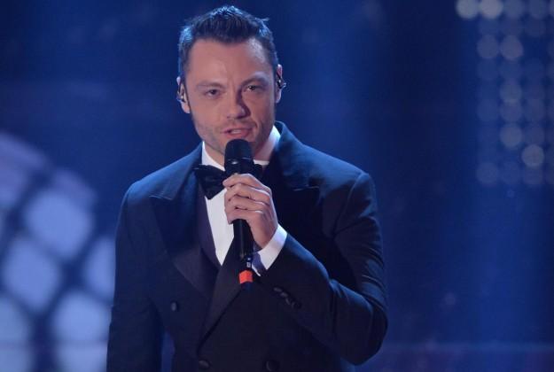 Finale The Voice of Italy 2015: Tiziano Ferro canta il nuovo singolo