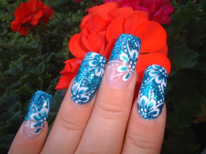Nail Art Estate 2015: Blu Cristal Flower