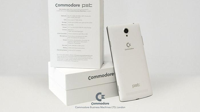 Commodore, lo Smartphone PET: Prezzo e Recensione