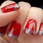 Nail Art Semplici: French Glitter su Fondo Rosso