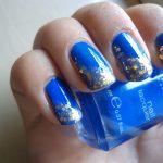 Nail Art Facili: Un Mosaico di Lustrini