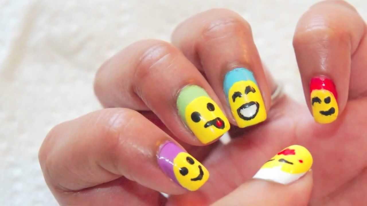 Nail Art Semplici: Emoticon con Sorriso