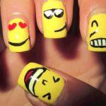 Nail Art Semplici: Emoticon Innamorate