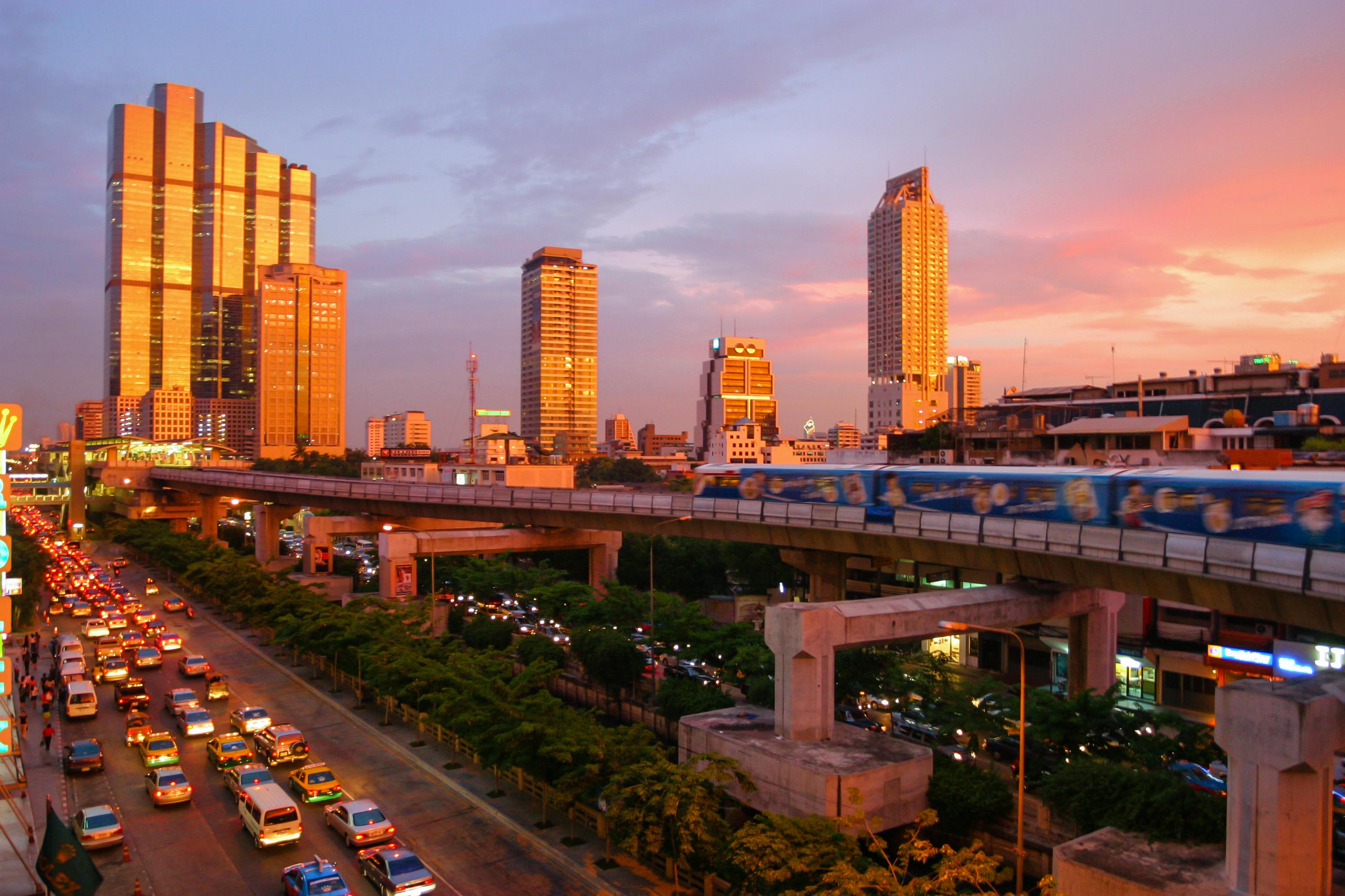 Attentato a Bangkok: 12 Morti, non ci sono Italiani