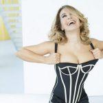Video Caduta Barbara D'Urso in Diretta TV a Pomeriggio 5