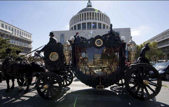 """Funerali Casamonica, i parenti """"Abbiamo speso solo 9mila euro"""""""