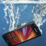 Cellulare Caduto in Acqua: Cosa Fare