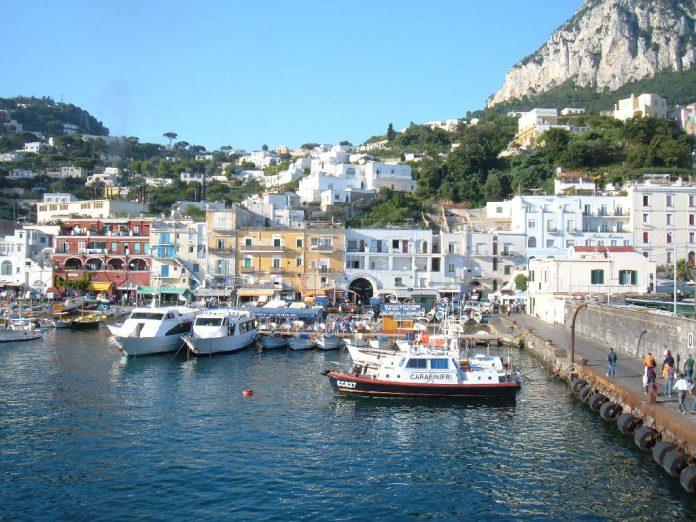 Offerte Lavoro Napoli: un Posto a Capri nella Comunicazione