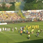 Stadio Matusa di Frosinone: diffida per i tifosi su tetti e balconi