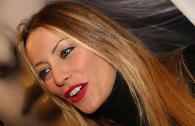 Pomeriggio Cinque: Karina Cascella ospite della puntata di oggi