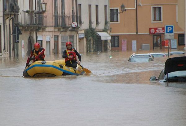 Alluvione in Costa Azzurra: 16 i morti e 4 i dispersi
