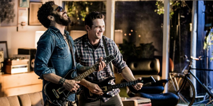 Il trailer di Guitar Hero Live con le star James Franco & Lenny Kravitz