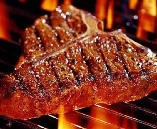 Carne rossa fa male? secondo l'Oms è cancerogena e provoca il cancro
