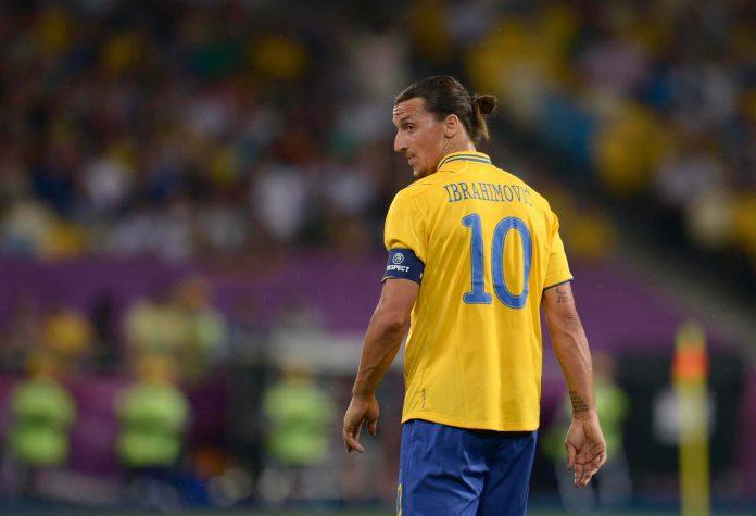 Ibrahimovic Canta l'Inno della Svezia, è Disco d'Oro (Video)