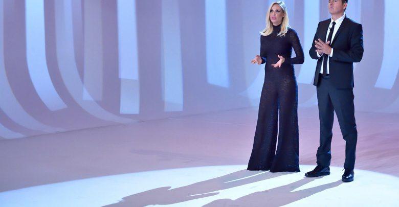 Ilary Blasi alle Iene, Vestito con trasparenze: E' incinta e non si vede