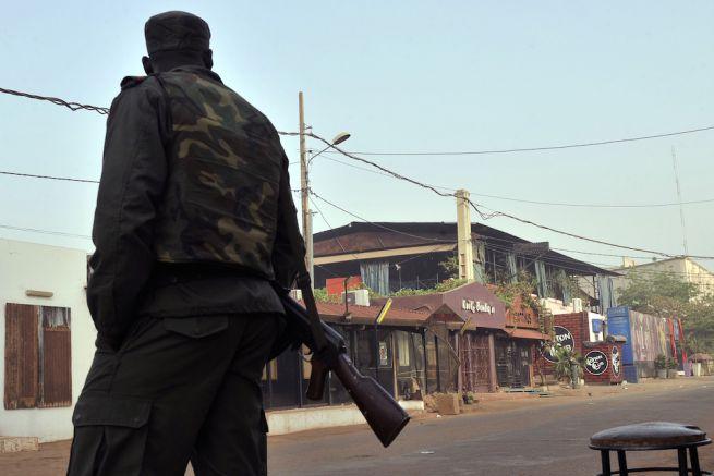 Attentato in Mali nell'hotel degli stranieri: ci sono ostaggi