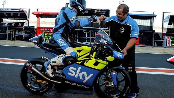 Valentino Rossi, Sky Racing Team gli dedica le carene