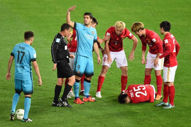Infortunio Shock Zou in Barcellona-Guangzhou (Video)