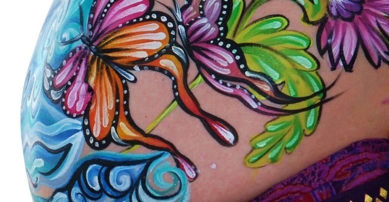 L'arte del Belly Painting o Baby Bump: Colore in Gravidanza