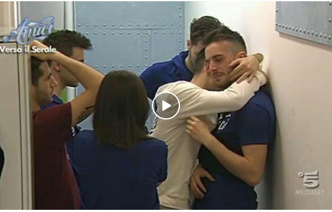 Replica Amici 15 (16 Marzo) su Video Mediaset: Lacrime disperate per Andreas