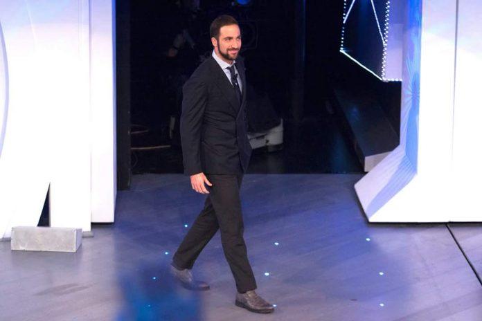 Gonzalo Higuain a C'è Posta Per Te: Video 19 Marzo 2016