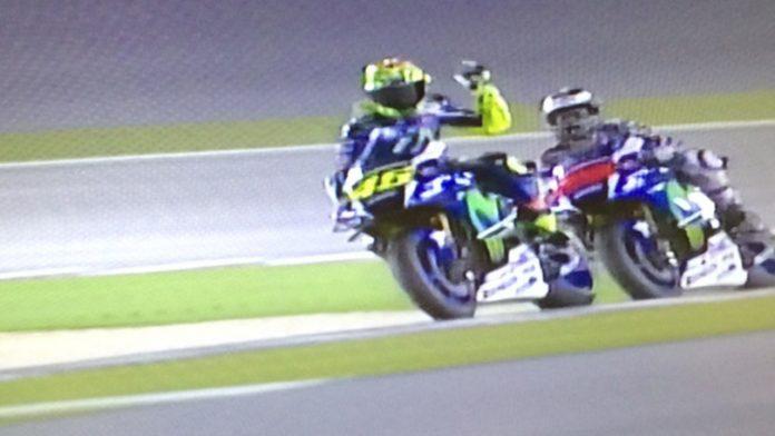 Video   Rossi contro Lorenzo Qualifiche Gp Qatar 2016