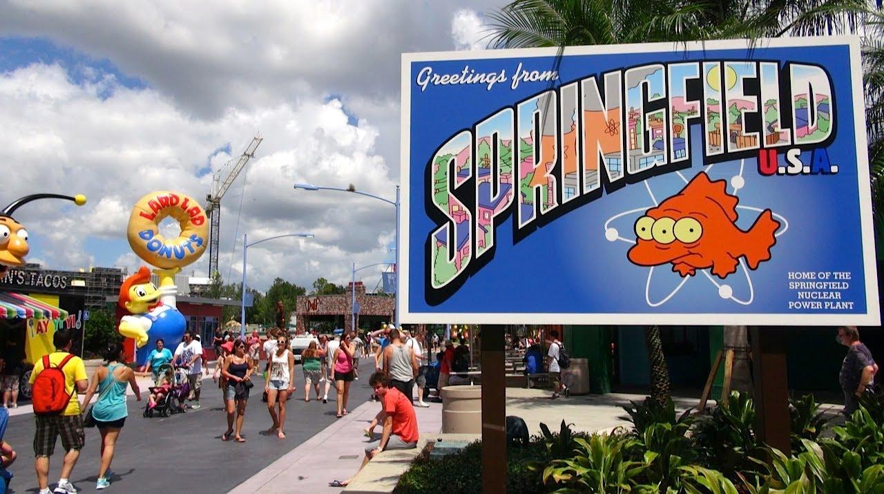 Florida: I Simpsons e Springfield prendono vita nel parco a tema (Foto)