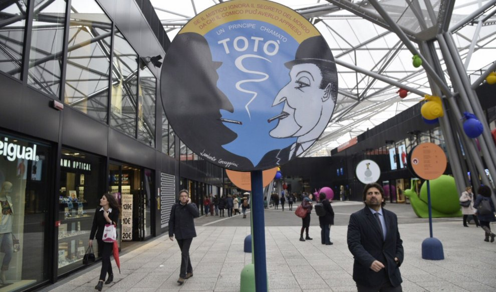 "Stazione di Napoli Centrale, 12 ""cartelli"" dedicati a Totò"