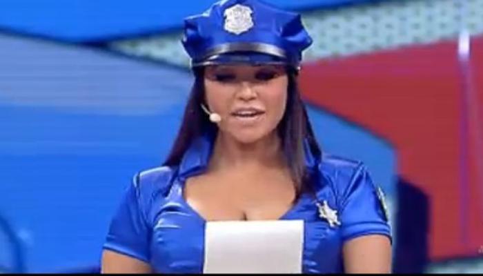 Claudia Ruggeri a Ciao Darwin, la poliziotta di Avanti un Altro