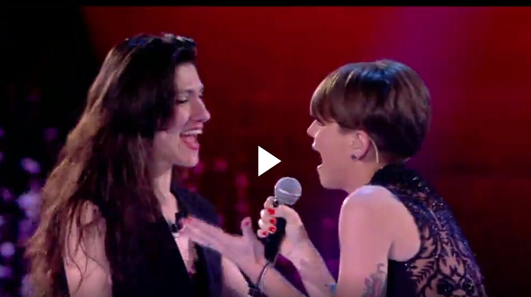 """Alessandra Amoroso e Elisa cantano """"Comunque Andare"""": Video Amici 15 3"""