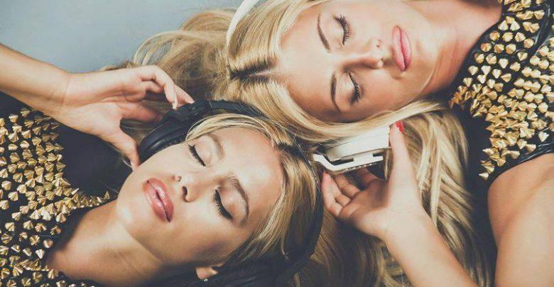 Jasmine e Jay Carol: Chi sono le gemelle bionde di Mezzogiorno in Famiglia