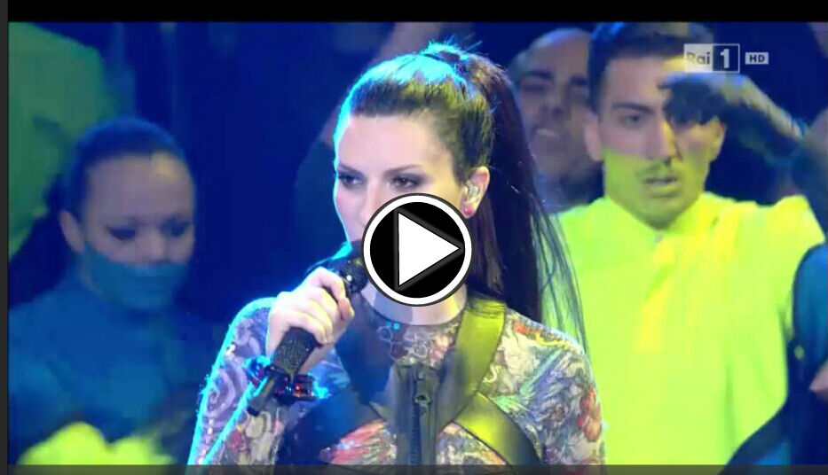 Laura Pausini canta Innamorata: Video 1 Aprile 2016