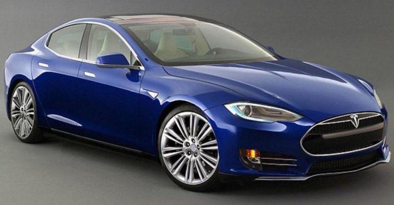 Video Tesla Model 3: Prezzo e Autonomia dell'auto elettrica