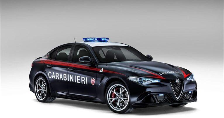 Alfa Romeo Giulia ai Carabinieri: Video della consegna dell'auto