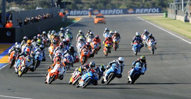 Incidente Cev Moto 2 Aragon: moto in fiamme e piloti in ospedale (Video)