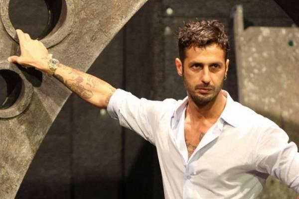 Fabrizio Corona al Maurizio Costanzo Show l'8 maggio 2016