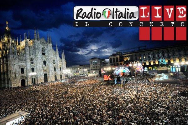 J-Ax con Fedez e Il Cile a Radio Italia Live (Video)
