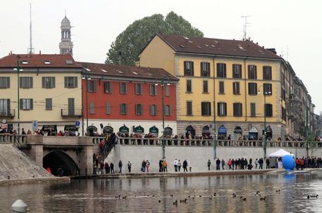 Crolla palazzo a Milano: Aggiornamenti Live
