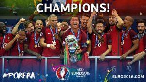 Euro 2016 Portogallo vince foto premiazione