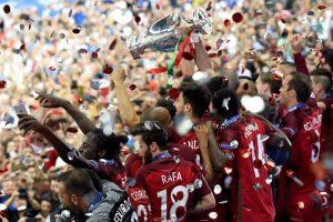 Foto premiazioni vittoria Portogallo