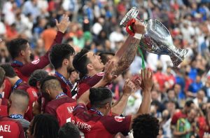 Portogallo vince europei 2016 foto premiazione