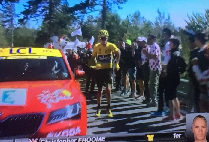 Video - Froome corre a piedi sul Mont Ventoux (Tour de France 2016)