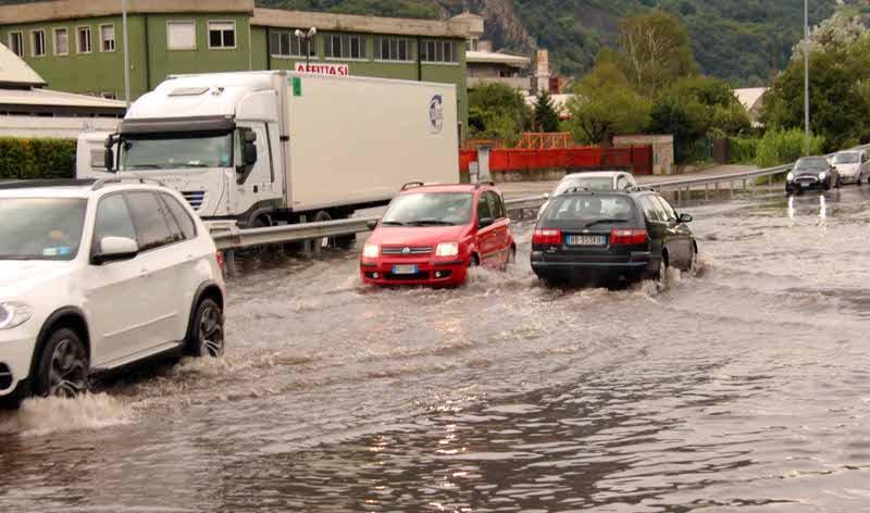Maltempo a Lecco e Bergamo: Ultime Notizie sul Nubifragio di oggi