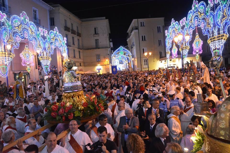 Video - Vallo della Lucania, San Pantaleone: la devozione dei fedeli