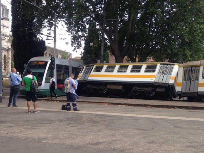Roma, Scontro Tram-Trenino a Porta Maggiore (Foto)