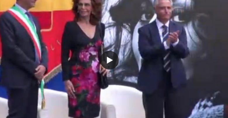 Sofia Loren a Napoli riceve Cittadinanza Onoraria (Video) 2