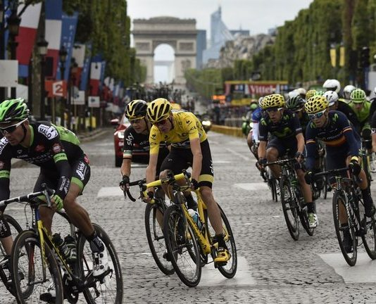 Tour de France 2016:  Mark Cavendish vincitore prima tappa